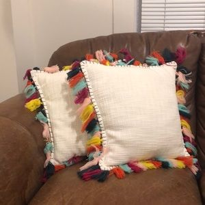 Set of 2 Fringe throw pillows